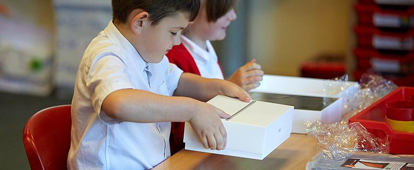 iPad unboxing